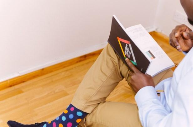 A moda das meias coloridas para homens!